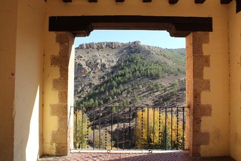 Albarracin Aussicht auf die Landschaft 480x320