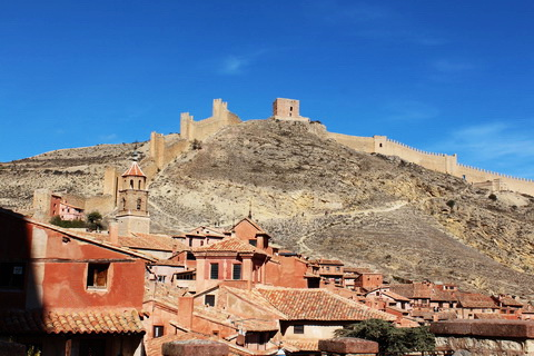 Festungsanlage über der Stadt Albarracín 480x320