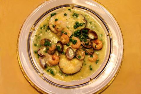 Spanisches Fischgericht mit Meeresfrüchten, Spanische Küche
