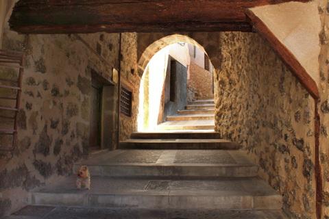 Fußgängertunnel in der Altstadt, Cuenca 480x320