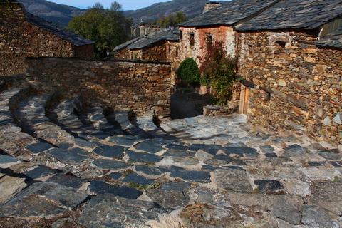 Gasse in Umbralejo die schwarzen Dörfer 480x320