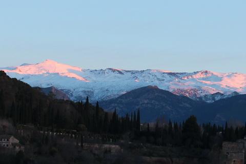 Schneebedeckte Hochgebirgslandschaft Landschaften und Natur