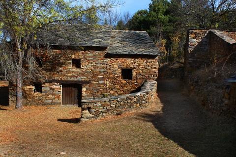 Wohnhaus mit Stallung Umbralejo die schwarzen Dörfer 480x320
